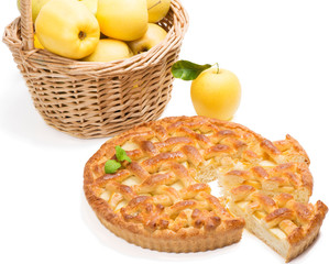 a pieces of apple cake with apples