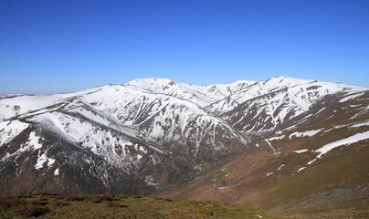 Montañas nevadas. La Cabrera, Montes Aquilianos. León.