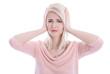 Blonde junge Frau hat Kopfschmerzen oder ist deprimiert