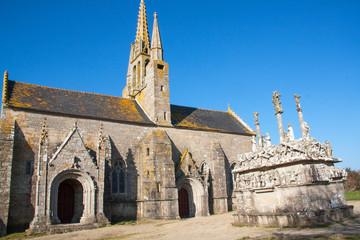 Chapelle et calvaire de Tronoen dans le Finistère en Bretagne