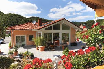 Deutschland, Rheinland-Pfalz, Ansicht des neuen Hauses