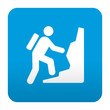 Etiqueta tipo app azul simbolo montañismo