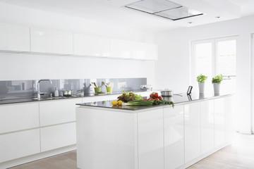 Deutschland, Köln, Obst und Gemüse in der Küche