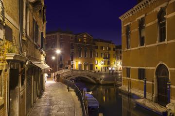 Italien, Venedig, Dorsoduro Sleepy Kanal in der Nacht