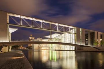 Deutschland, Berlin, Parlamentsgebäude der Paul -Löbe- Haus in der Nacht