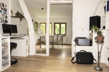 Deutschland, NRW, Innenraum des Wohnzimmers vor Einbruch