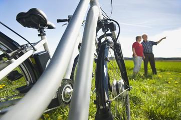 Deutschland, Bayern, Elektro-Fahrrad, Mann