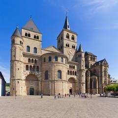 Deutschland, Rheinland-Pfalz, Trier, Blick auf St. Peter Kathedrale