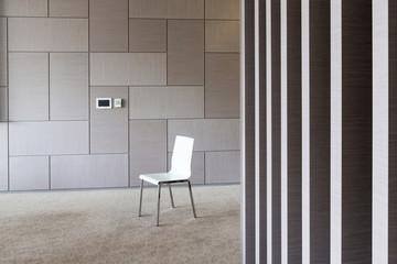 Polen, Warschau, einzigen Stuhl im Konferenzraum eines Hotels