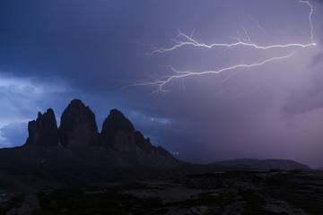 Italien, Dolomiten, Drei Zinnen im Gewitter