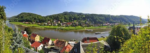Deutschland, Sachsen, Stadt Wehlen, Stadtansicht mit Elbe und Poetzscha