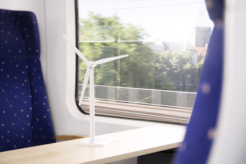 Deutschland, Brandenburg, Modell von Windkraftanlagen in Zug