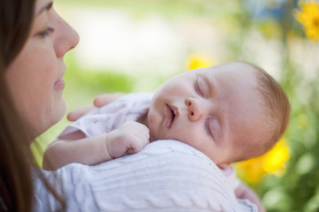 Deutschland, Bayern, Mutter mit Baby Mädchen