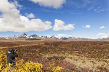 USA, Alaska, Tourist, der Fotografie der Alaska Range im Herbst