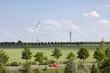 Deutschland, Hannover, Windturbinen und Umgebung