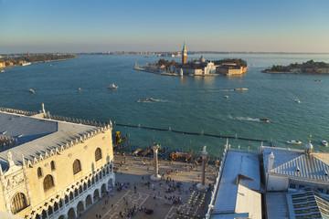 Italien, Venedig, Ansicht des Canal Grande, San Giorgio Maggiore und Kirche am Markusplatz