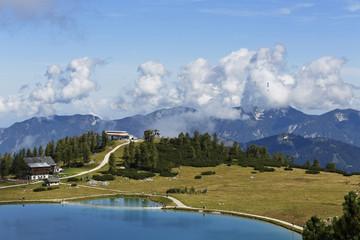 Österreich, Oberösterreich, Ansicht der Schafkogelsee See auf Hutterer Höss Berg