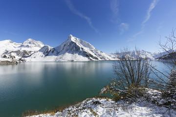 Österreich, Vorarlberg, Blick auf Spullersee, Goppelspitze oder Rohnspitze Berg im Hintergrund