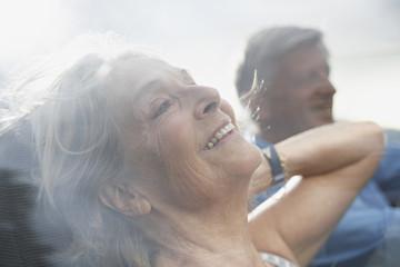 Spanien, Senioren Paar in Cabrio