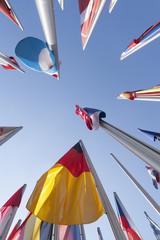 Deutschland, München, Fahnen vor dem Deutschen Patentamt