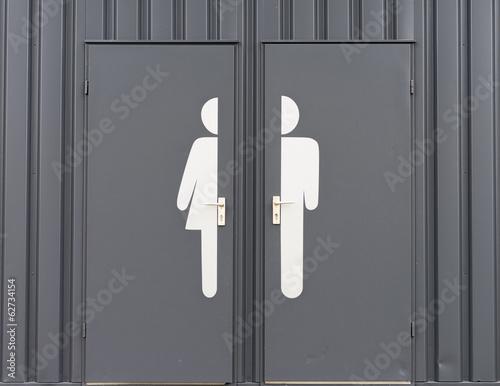 Deutschland, Männliche und weibliche Zeichen auf Toilettentür