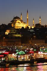 der Türkei, Istanbul, Süleymaniye-Moschee und Rustem Pasha Moschee am Goldenen Horn