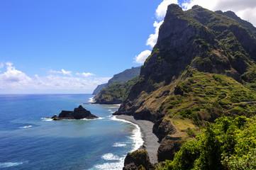 Portugal, Klippen von Madeira in Boaventura
