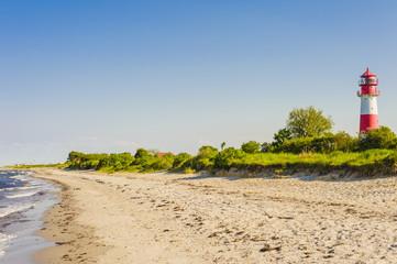 Deutschland, Schleswig Holstein, Ansicht der Leuchtturm am Strand