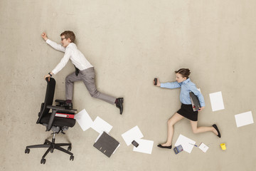 Deutschland, Geschäfts Kinder im Büro laufen