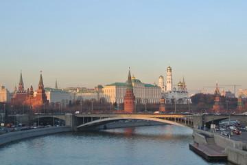 L'étincelance de Moscou au couché du soleil