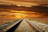 ferrovia al tramonto - 62744565