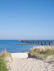 Strand und Seebrücke von Wustrow auf Fischland-Darß