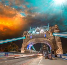 Magnifique coucher de soleil sur Tower Bridge - Londres
