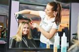 Fototapety hairdresser at work