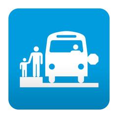 Etiqueta tipo app azul simbolo autobus escolar