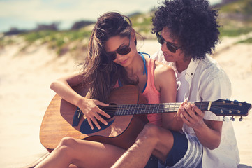 Guitar beach couple