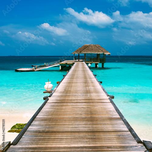 fototapeta na ścianę Piękna plaża z wody bungalowów