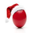 Rotes Osterei mit Nikolausmütze