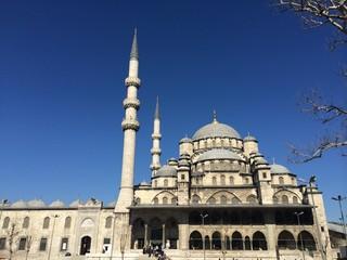 Valide Sultan Camii,