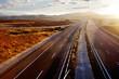 Atardecer y carretera, autopistas y autovias.Transporte
