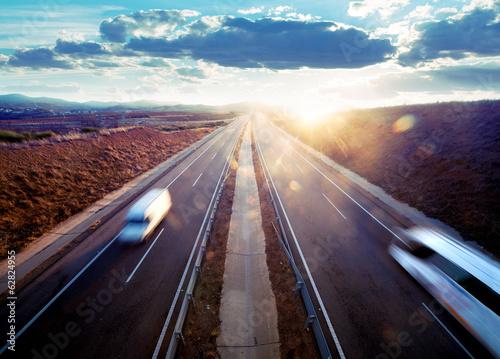 Fototapeta Transporte por carretera. Seguridad vial.; Reparto de mercancia