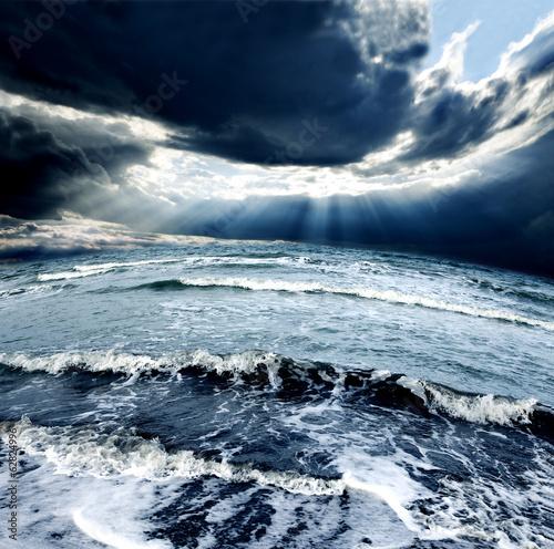 Tormenta en el oceano © carloscastilla
