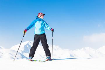 Woman skier.