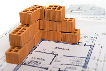 Ziegelmauer auf Bauplan