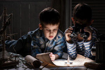 Children learn the old map