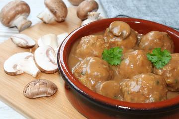 Fleischklößchen mit Pilzsauce