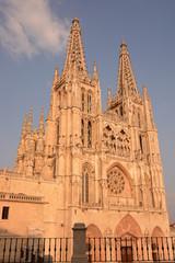 Fachada de la catedral de burgos al atardecer (Spain)