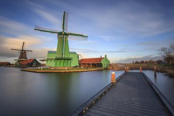Paisagem Holandesa de moinho de vento em Zaanse Schans