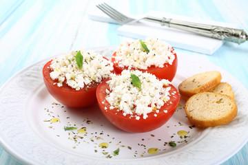 pomodori ripieni di formaggio bianco