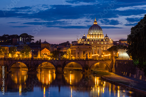 Fotobehang Rome Night view at St. Peter's cathedral in Rome, Italy